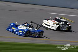 #97 Nissan Lucchini: Mirco Savoldi, Filippo Francioni, Pierguiseppe Peroni, and #03 Marcos Racing USA Marcos Mantis: Cor Euser, Peter van der Kolk, Rob Knook