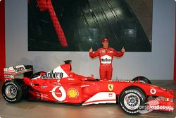 Rubens Barrichello ve yeni Ferrari F2003-GA