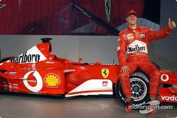 Michael Schumacher ve yeni Ferrari F2003-GA
