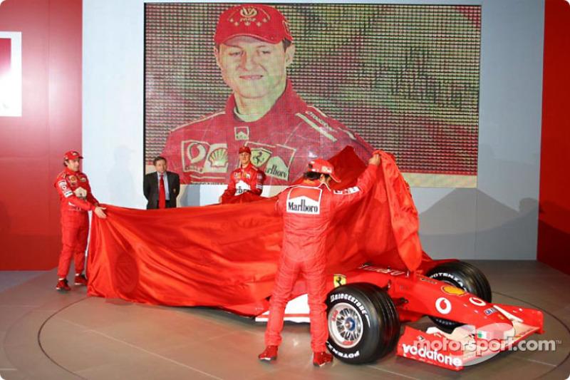 Jean Todt, Felipe Massa, Luca Badoer, Michael Schumacher y Rubens Barrichello presentan el nuevo Fer