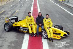 Ralph Firman, Eddie Jordan y Giancarlo Fisichella con el Jordan EJ13