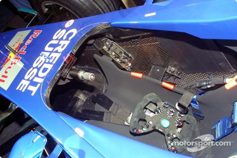 Cabina del nuevo Sauber Petronas C22