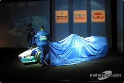 Nick Heidfeld and Heinz-Harald Frentzen unveil the new Sauber Petronas C22