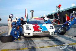 Pitstop for #59 Brumos Racing Porsche Fabcar: Hurley Haywood, J.C. France