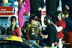 Entrevista para el ganador de la carrera, Matt Kenseth
