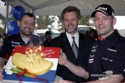 Paul Stoddart viert de 31e verjaardag van Jos Verstappen