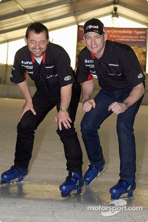 Paul Stoddart viert de 31e verjaardag van Jos Verstappen op schaatsen