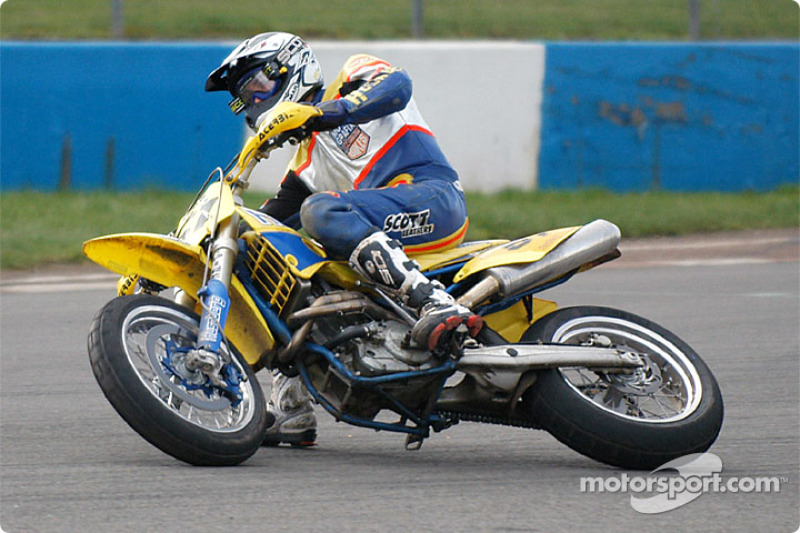 Christian Iddon backing into turn one