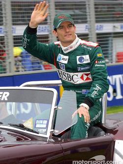 Desfile de pilotos: el héroe local Mark Webber