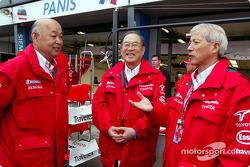 Toshiro Kurusu, Mr Fujio Cho y Dr Akihiko Saito