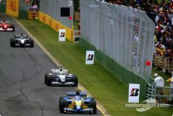 Jarno Trulli delante de Ralf Schumacher