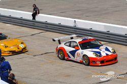 #61 P.K. Sport Porsche 911 GT3 RS: Bart Hayden, Gregor Fisken, Ian Donaldson