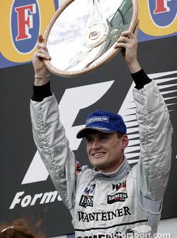 Podyum: Yarış galibi David Coulthard