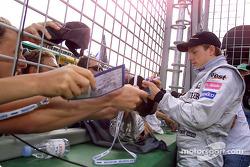 Kimi Raikkonen firma autógrafos