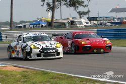 #52 Seikel Motorsport Porsche 911 GT3 RS: Philip Collin, David Shep, John Lloyd, and #34 Risi Competizione Ferrari 360 Modena: Phillip Bennett, Marino Franchitti