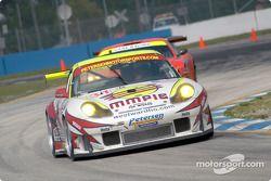 Petersen Motorsports Porsche 911 GT3 RS : Johnny Mowlem, Nic Jonsson, Craig Stanton