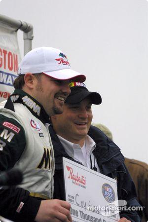 Podium : le vainqueur de la course Bernd Schneider, Marcel Fassler et Gerhard Ungar