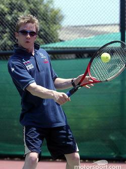 Campo de acondicionamiento físico de Sauber en Alor Setar: Nick Heidfeld juega tenis