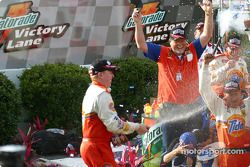 Ricky Craven festeja el triunfo