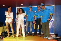 Fiesta de Renault F1 en Sepang: Fernando Alonso, Allan McNish y Jarno Trulli a escena con actores