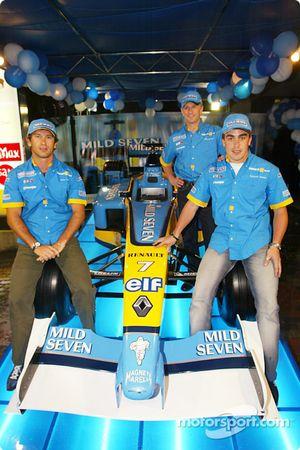 Renault F1 party Sepang: Jarno Trulli, Fernando Alonso ve Allan McNish