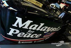 Message of peace on the Minardi