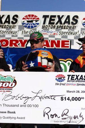 El ganador de la pole, Bobby Labonte