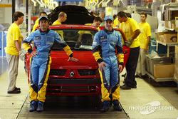 Visita a la fábrica Renault Ayrton Senna en Curitiba: Jarno Trulli y Fernando Alonso