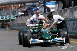 Jaguar takım elemanları push Jaguar to technical inspection