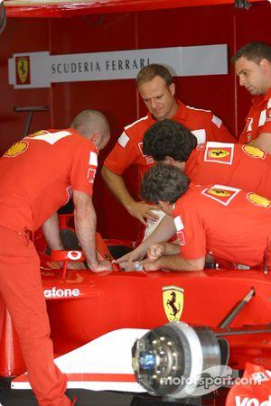 Rubens Barrichello Ferrari garajı area