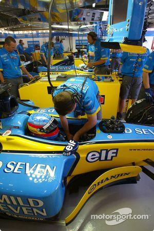 Fernando Alonso Renault garajı area