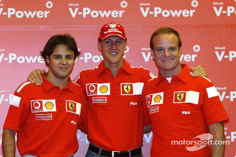 Massa, então, passou o ano de 2003 testando o carro da Ferrari e trabalhando de perto com Michael Schumacher e Rubens Barrichello. Mesmo sem competir, foi uma temporada de aprendizado para o ainda jovem piloto.