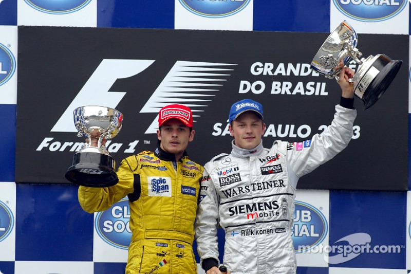 Гран При Бразилии-2003 закончился досрочно из-за тяжелой аварии Алонсо, а его победителем изначально был объявлен Кими Райкконен. Но уже после финиша судьи уточнили, что по правилам итоги гонки должны были подводиться не по 53-му, а по 54-му кругу, после чего отдали победу Джанкарло Физикелле