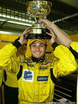 Giancarlo Fisichella celebra el segundo lugar