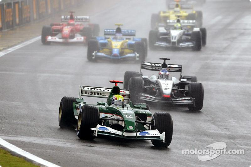 Départ : Mark Webber devant Kimi Raikkonen