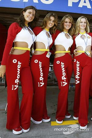 Shell V-Power girls