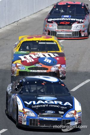 Matt Kenseth leads Elliott Sadler