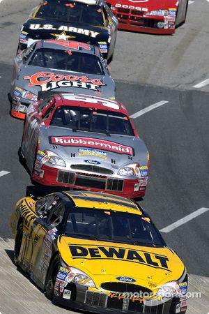 Matt Kenseth leads Kurt Busch