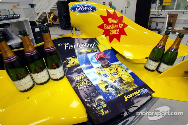 Team Jordan celebrate belated Brazilian GP victory of Giancarlo Fisichella, Jordan Headquarters, Silverstone