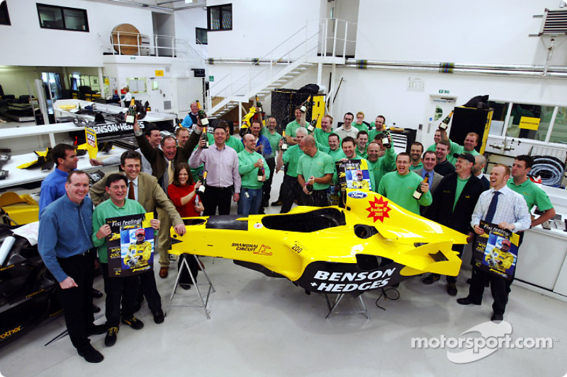 Team Jordan celebrate belated Brazilian GP victory of Giancarlo Fisichella, Jordan Headquarters, Sil