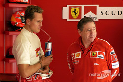 Michael Schumacher, Ferrari, mit Teamchef Jean Todt