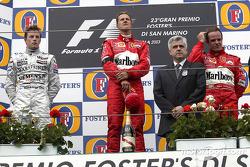Podium : le vainqueur Michael Schumacher, Kimi Raikkonen et Rubens Barrichello