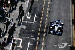 Fernando Alonso fuera de los boxes