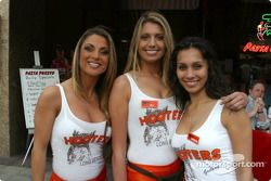 The lovely Hooters girls