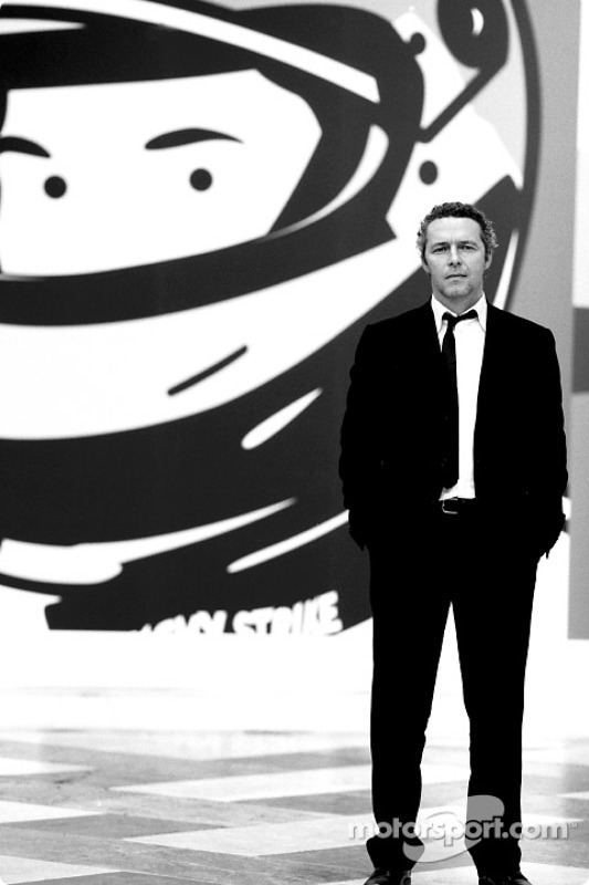 British artist Julian Opie brings together Art ve Formula 1 racing: Julian Opie