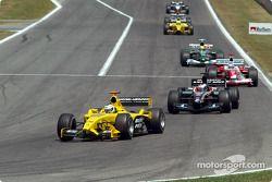 Giancarlo Fisichella delante de Jos Verstappen