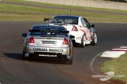 Paul Morris chasing Team Dynamik Jason Richards