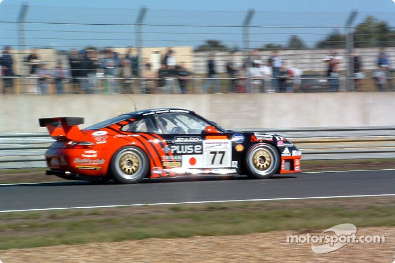 #77 Team Taisan Advan Porsche 911 GT3-RS: Atsushi Yogo