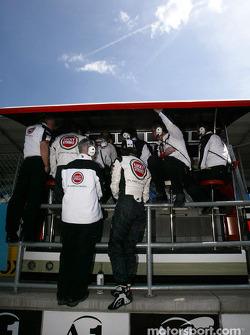 BAR pitwall: Jenson Button, Geoff Willis and David Richards