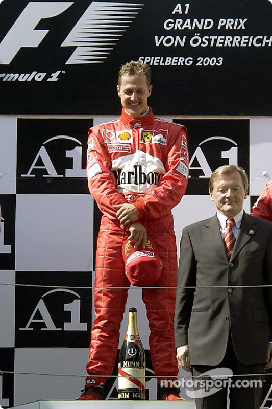Pódio: vencedor Michael Schumacher